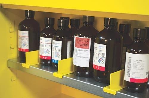 Cách tách biệt và sắp xếp hóa chất trong tủ đựng hóa chất an toàn