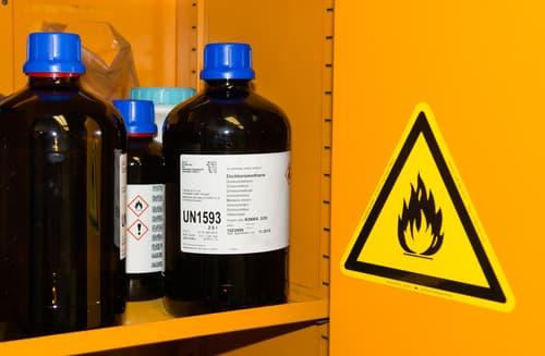 tủ đựng hóa chất sử dụng phù hợp với ứng dụng